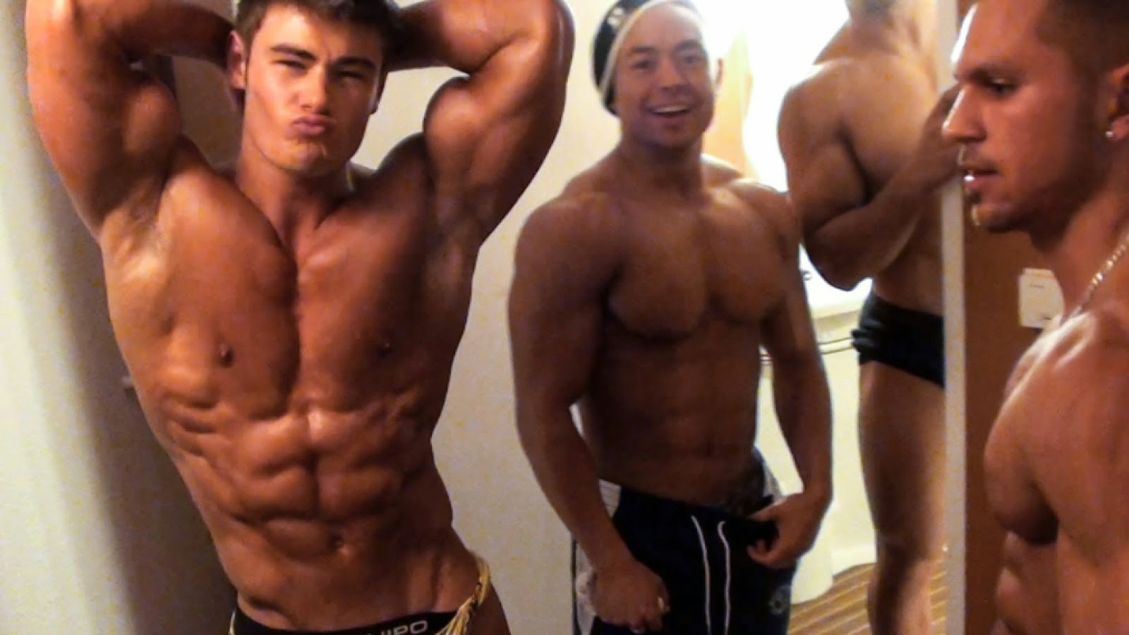 Fitness Models Gay For Pay (NSFW)